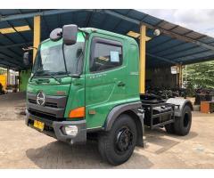 Hino engkel 4x2 tractor head FG235TH 2015