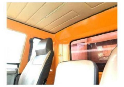 Mitsubishi Fuso engkel 4x2 FM 517 HL box besi 2013