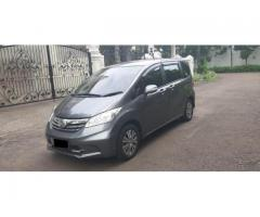Honda Freed (Face Lift) PSD A.T Thn 2012 Polished Metal Metalik