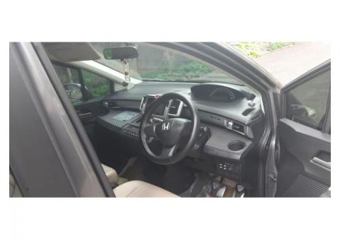 Honda Freed (Face Lift) PSD A.T Thn 2012 Polished Metal Metalik