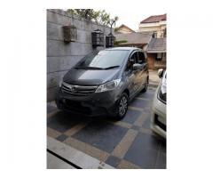 Honda Freed type SD Tahun 2012 warna Abu-abu Metalik