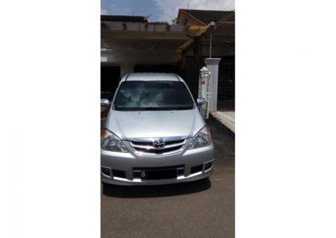 Toyota avansa type G manual silver thn 2011 stnk panjang