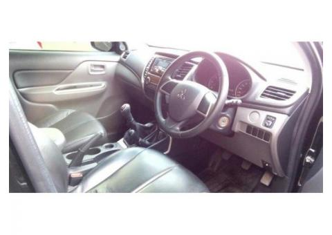 Mitsubishi Strada Triton Exceed Double Cabin 4x4 2015