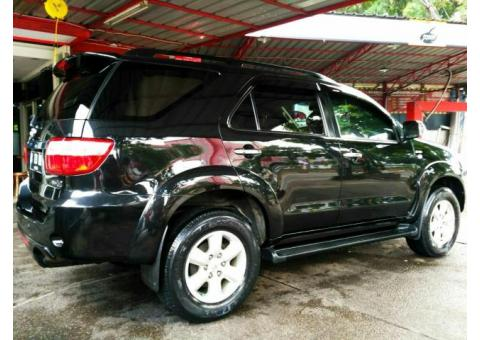 Fortuner 2011 2.5G A/T, km 42rb record Toyota