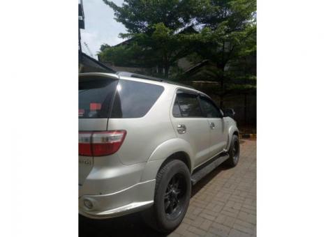 Over Kredit Toyota Fortuner A/T 2.5 Diesel 2011 Silver