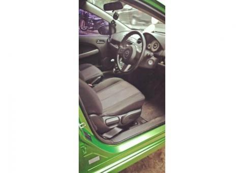 Mazda two R 2011 manual