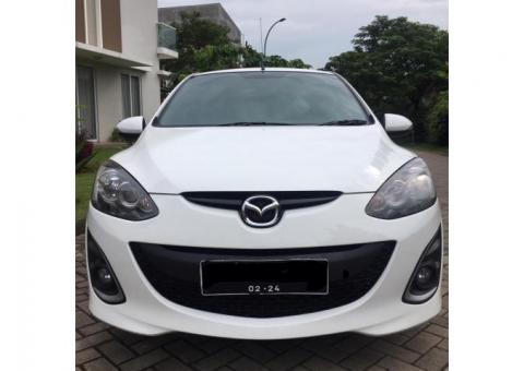 Dijual Mazda 2 Tipe R Tahun 2013 Putih Pajak Panjang