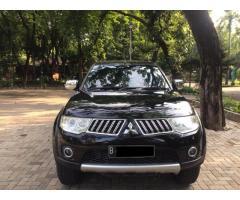 Mitsubishi Pajero Exeed  thn 2012 warna Hitam  pajak baru