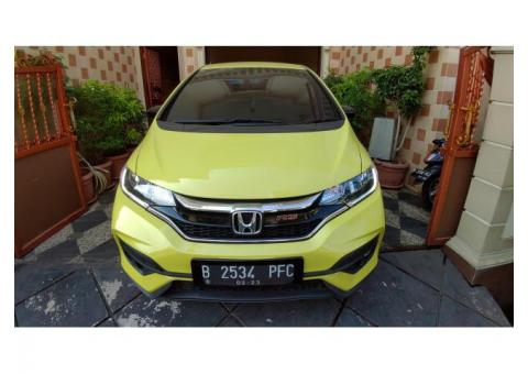 Jual Honda Jazz RS AT Kuning 2018 KM Rendah Seperti Baru