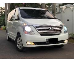 Hyundai H1 Elegance 2012 Putih AT (12 seats)