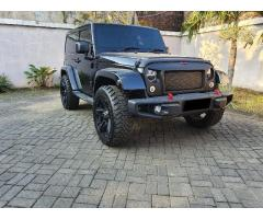 Di jual wrangler 2 door sahara 3.6 L V6 th 2014