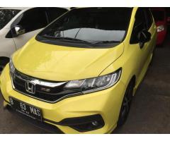 Mobil Honda Jazz RS AT