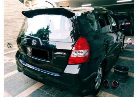 Honda Jazz Vtec matic Tahun 2007 warna Hitam