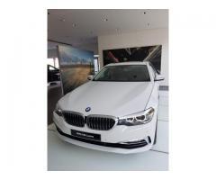 Mobil BMW 5 Series 530i 2018