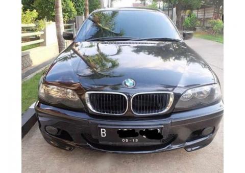 BMW E46 318i Hitam