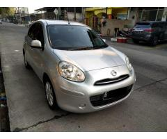 Nissan march 2012 matik Silver