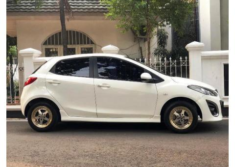 Mazda 2 Type R Terlengkap Irit dan Responsif Th 2011 Putih