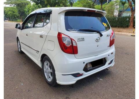 Daihatsu ayla 1.0 X metic elegant th 2014 tangan 1
