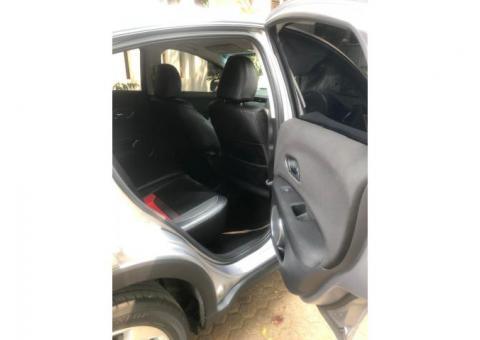 Honda HRV E matic th 2016 abu2 metalik kondisi istimewa mulus
