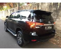 Toyota Fortuner VRZ 2016 Hitam Like New!!