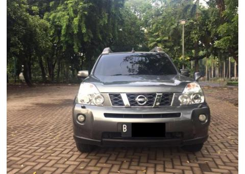 Nissan X- Trail 2.5 XT matic 2009/08 New Model warna Abu metalik