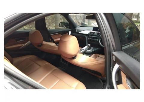 BMW 330i low KM Abu-Abu Pmk 2017 Good ConditioN