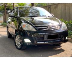 Toyota Kijang Innova 2.0 V-Luxury 2010 Automatic
