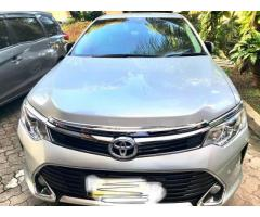 Toyota Camry 2.5 G 2018 akhir Silver metalik mint condition