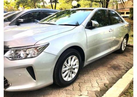 Toyota Camry 2.5 G 2018 akhir Silver metalik mint condition
