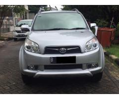 Toyota Rush Tipe S matic thn 2010 warna Silver