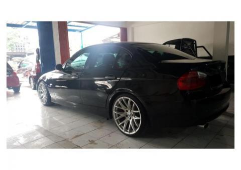 BMW 320i thn 2006 matic istimewa banget