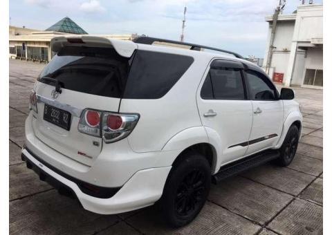 Toyota Fortuner G Th 2014 Putih A/T