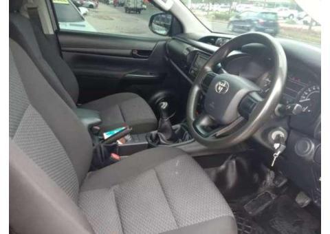 Toyota Hilux tahun 2016