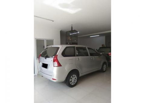 Toyota All New Avanza type E Tahun 2013 manual warna Silver Metalik Tangan 1