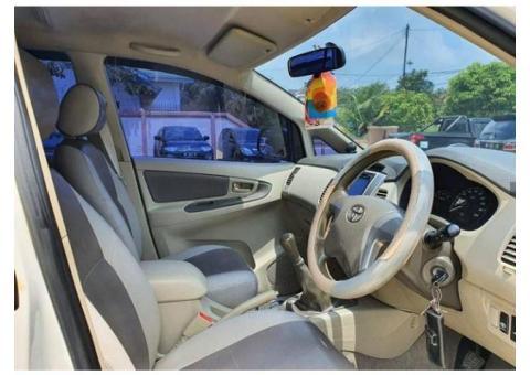 Toyota Kijang Innova G 2013 Putih
