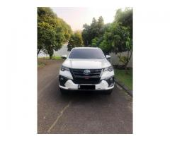 Toyota fortuner VRZ diesel matic upgrade TRD th 2017 putih mutiara