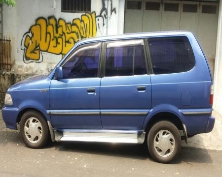 Harga Toyota Kijang LGX 2000
